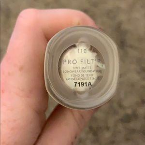 Fenty Beauty Makeup - Fenty Beauty Pro filt'r foundation